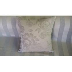 Dekorační polštář květy 370